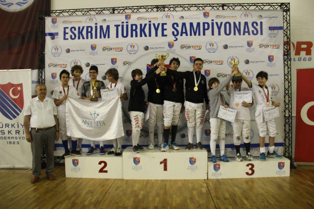 Süper Minikler ve Minikler Türkiye Eskrim şampiyonası sona erdi