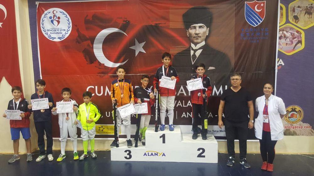 Alanya'da düzenlenen Cumhuriyet Eskrim Açık Turnuvası sona erdi