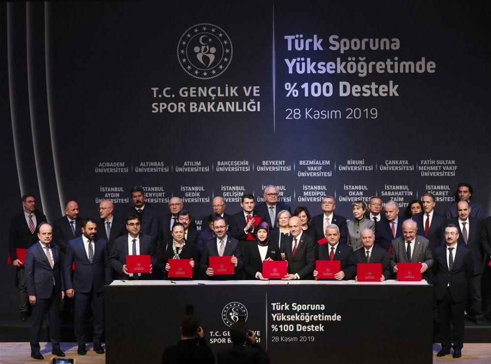 Türk Sporu İçin Tarihi İmza