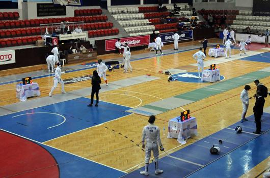 Genç Epeciler İzmir'de Kupa Mücadelesi Verdi